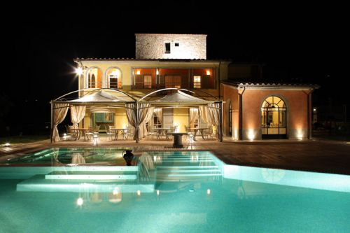 Hotel di lusso con piscina interna umbria turismo - Agriturismo piscina interna riscaldata ...
